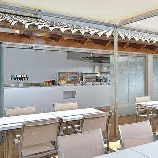 SNACK BAR (EDIFICIO SUITES) Alua Hawaii Mallorca & Suites Palmanova, Mallorca